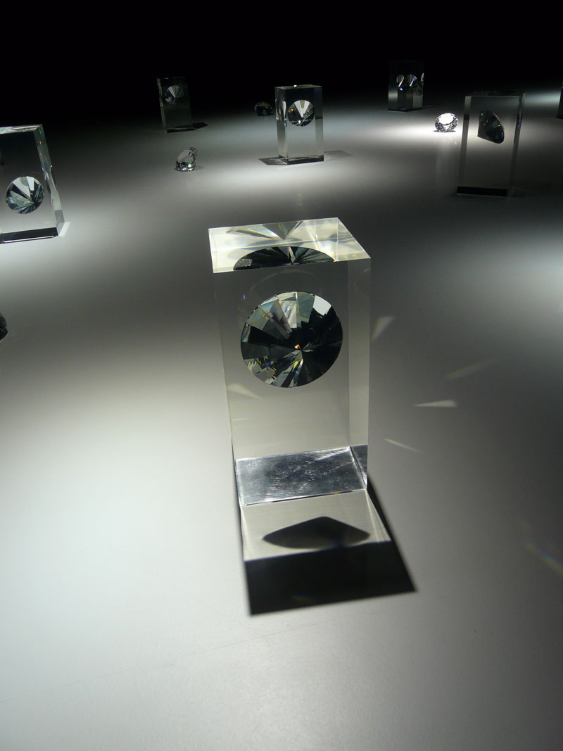 Tokujin yoshioka eternal for swarovski milan design for Trainee produktdesign